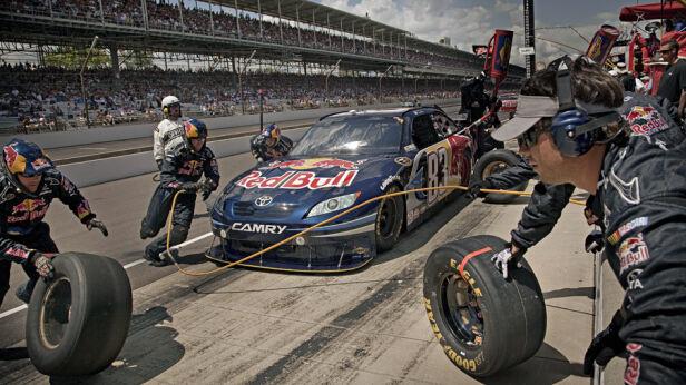 Red Bull Racing Team fot.Jurgen Skarwan