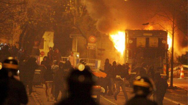 Francja: Sześciu policjantów w ciężkim stanie
