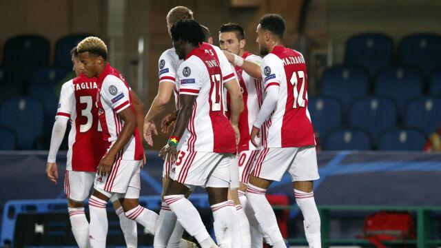 Ajax zdziesiątkowany. Piłkarze z zakazem wyjazdu na mecz