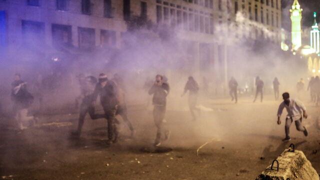 Starcia demonstrantów z policją w Bejrucie. Ponad 50 rannych