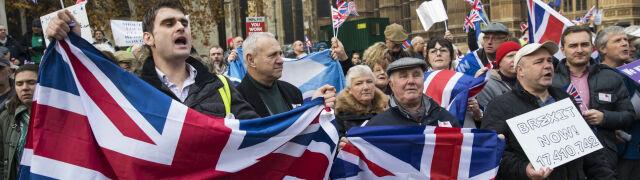"""Johnson: Będziemy mogli w końcu doprowadzić do brexitu. Żadnych """"ale"""""""