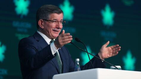 """Erdogan ma konkurenta. Były premier chce """"przeciwstawić się chaosowi i przemocy"""""""