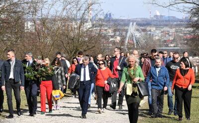 Ulicami Krakowa przeszedł marsz w rocznicę likwidacji getta