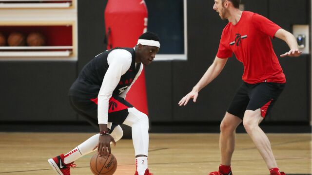 """Są pierwsi chętni do trenowania w """"bazie"""". """"Pytają władze NBA"""""""