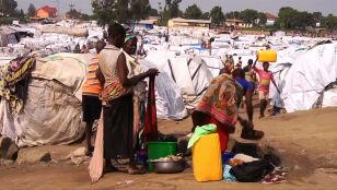 """""""Wielka skala"""" przemocy i wirus ebola. Setki tysięcy uciekają"""