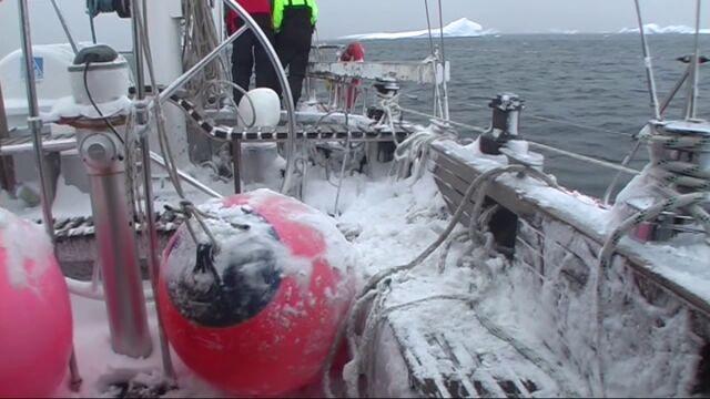 W marcu Morze Rossa całkowicie zamarza w mgnieniu oka