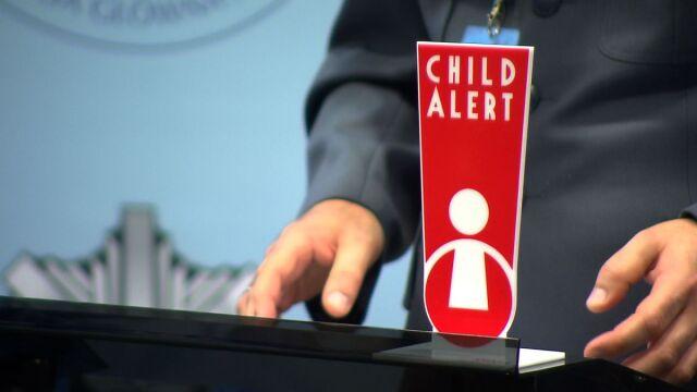 Child Alert już w Polsce. Informacje o zaginionym dziecku zobaczysz w mediach, na ulicy, dostaniesz sms-em