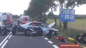 Wjechała w motocyklistów. Jedna osoba nie żyje, osiem jest rannych