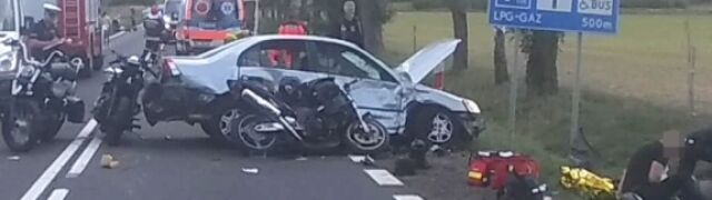 Wjechała w motocyklistów. Jedna  osoba nie żyje, siedem rannych
