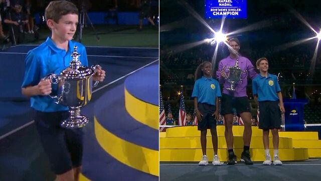 To dziesięcioletni Polak przyniósł puchar dla Nadala. Jest synem byłej tenisistki