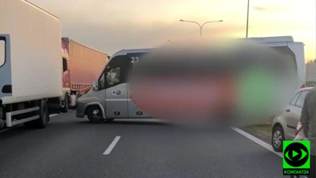 """Autostrada stała, a kierowcy busa """"się spieszyło"""". Pojechał pod prąd korytarzem życia"""