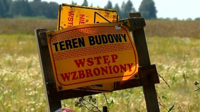 """""""Polacy mogą zobaczyć sto metrów od swoich domów fermy norek lub składowiska odpadów"""""""