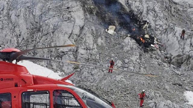 Samolot rozbił się o ścianę skalną w Alpach
