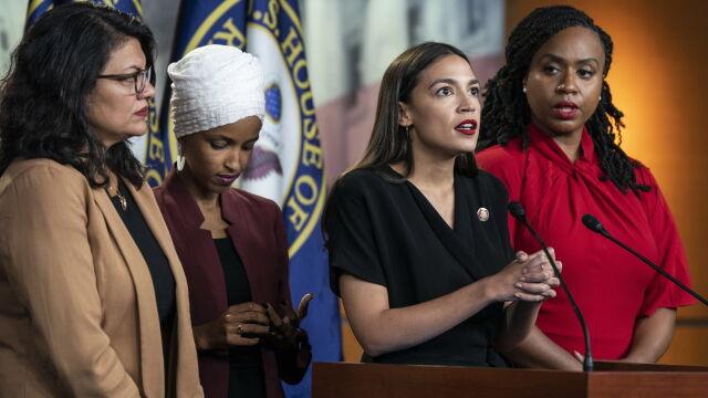 Trump: nie sądzę, by te cztery kongresmenki były w stanie kochać nasz kraj