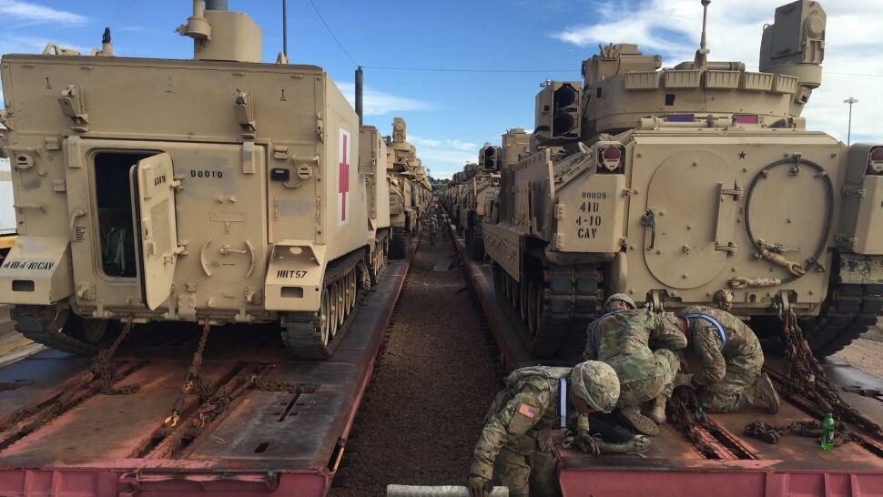 Amerykanie dopływają do Europy. Kawalerzyści z czołgami zostaną w Polsce
