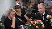 Żalek przeprosił protestująych. Przyszedł z kwiatami