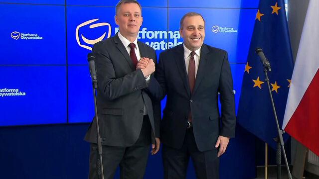 Siemoniak rezygnuje z kandydowania na szefa PO. Przekazuje poparcie Schetynie