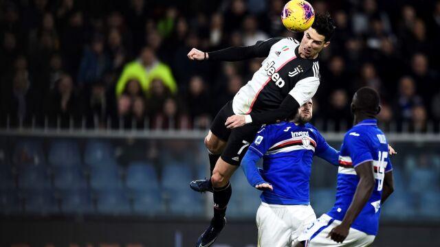 """Ronaldo ponownie z piłkarskim Oscarem. """"To był dziwny rok"""""""