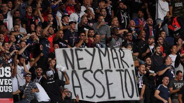 Kibice chcą przegonić Neymara, trener zmartwiony.