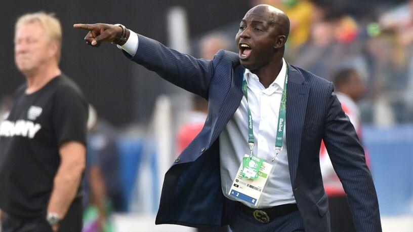 Doprowadził Nigerię do dwóch medali olimpijskich, został dożywotnio zdyskwalifikowany