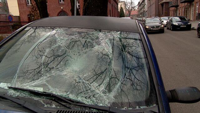 """Ktoś zniszczył kilkanaście samochodów w Gliwicach. """"Idiotyzm, dziecinada"""""""