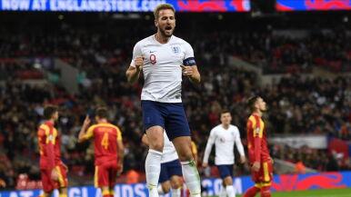 Kane w pogoni za legendarnym osiągnięciem. Na drodze stoi Kosowo