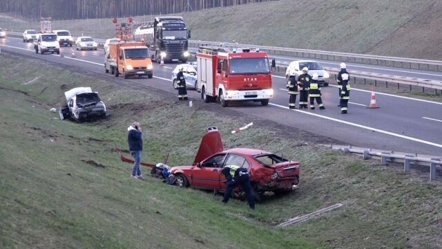 Zderzenie dwóch aut na S3. Ranne cztery osoby