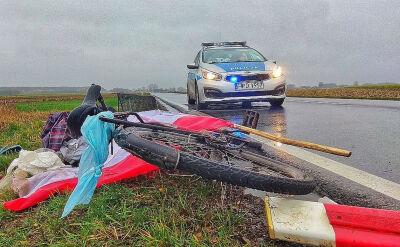 Rowerzysta dostał mandat za brak oświetlenia, dzień później został potrącony