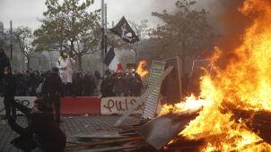 Ogień i gaz na ulicach Paryża. Pierwsza rocznica powstania ruchu
