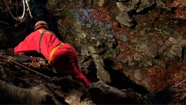 Grotołaz spadł w głąb  Jaskini Wszystkich Świętych