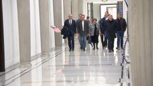 Wieczorne spotkanie senatorów opozycji ze Schetyną