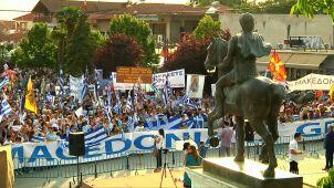 27 lat sporu o nazwę. Historyczne porozumienie Grecji i Macedonii