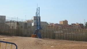 Szef hiszpańskiego MSW chce usunąć drut kolczasty z granicy