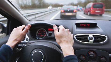 Kiedy pojedziemy bez prawa jazdy w portfelu? Minister podaje termin