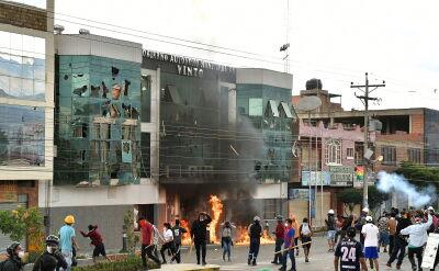 Demonstranci przeprowadzili szturm na ratusz w boliwijskim miasteczku