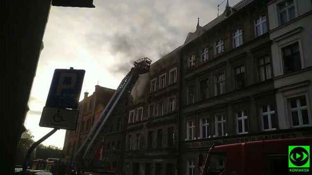 Pożar kamienicy na toruńskiej starówce. Jedna osoba nie żyje