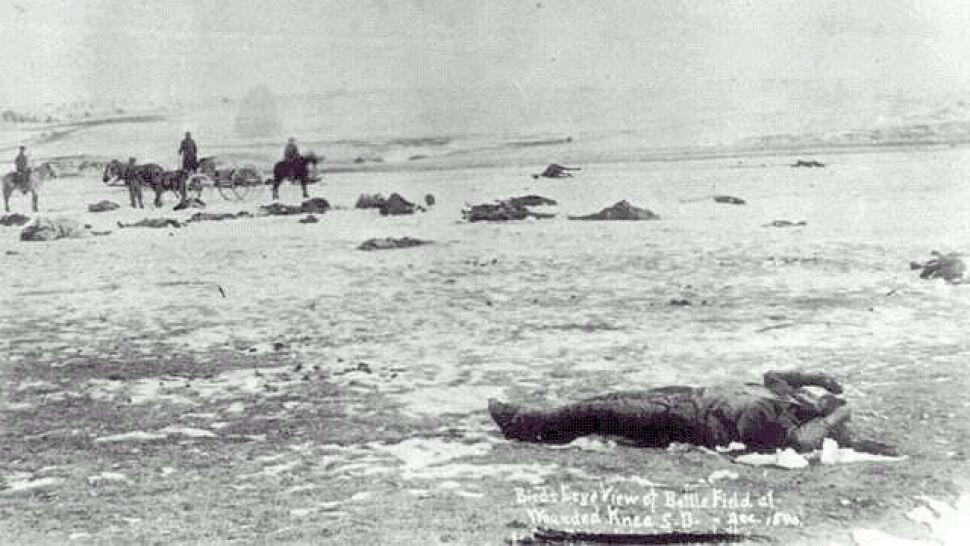 Indianie przebaczyli praprawnukowi Jamesa Forsytha za masakrę nad Wounded Knee
