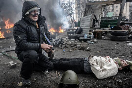 """Zdjęcie Roku i Zdjęcie 10-lecia Jakub Szymczuk """"Gość Niedzielny"""", Kijów, """"Czarny czwartek""""  20 lutego 2014"""