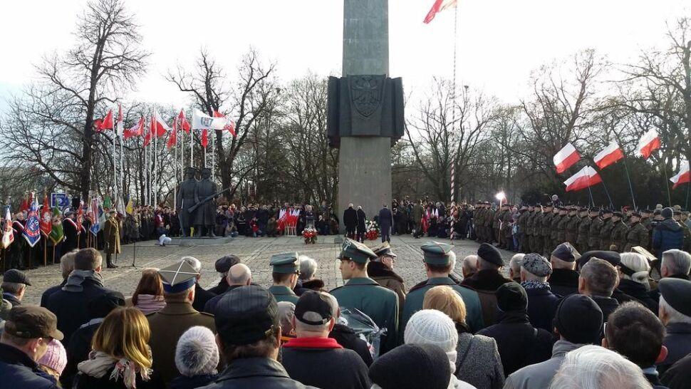 Podwójne obchody rocznicy powstania wielkopolskiego. Z powodu apelu smoleńskiego