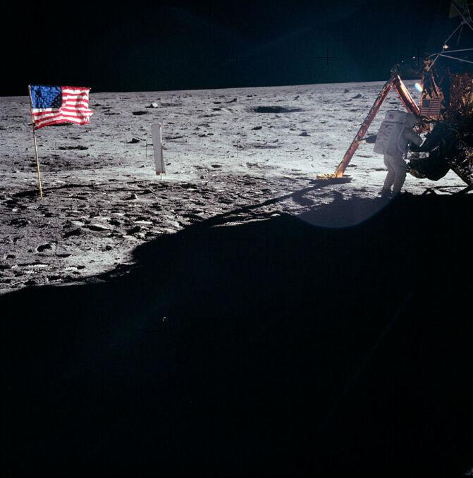 Neil Armstrong na Księżycu