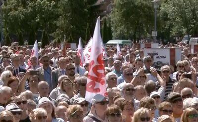 Hymn Polski odśpiewano w wielu miastach