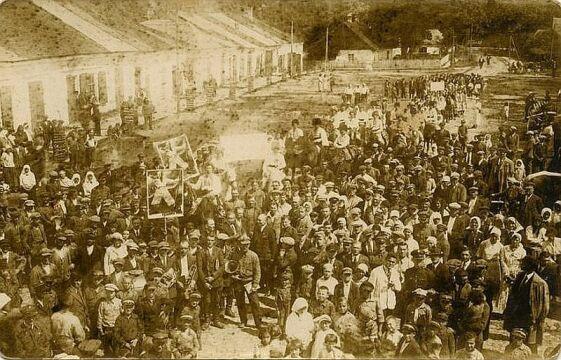 Mieszkańcy miasteczka Poryck (Pawliwka), pow. Włodzimierz Wołyński, lata 30. XX w., zbiory Piotra Filipowicza