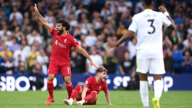 Setny gol Salaha i koszmarna kontuzja 18-latka. Liverpool z kompletem punktów