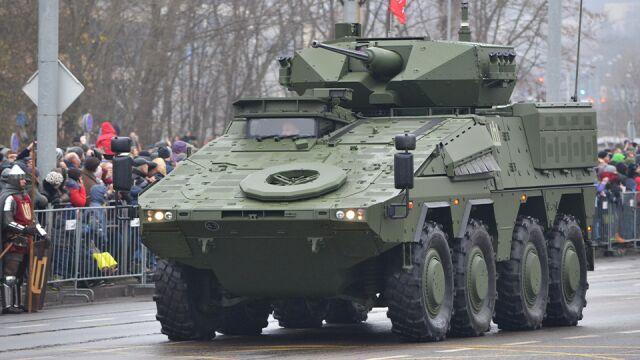 Największa transakcja w historii  litewskiej armii. Dotarły pierwsze boxery