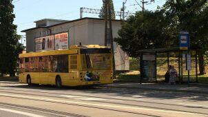 Kierowca autobusu zauważył małego chłopca. Matka i policjanci szukali go w sąsiednim mieście