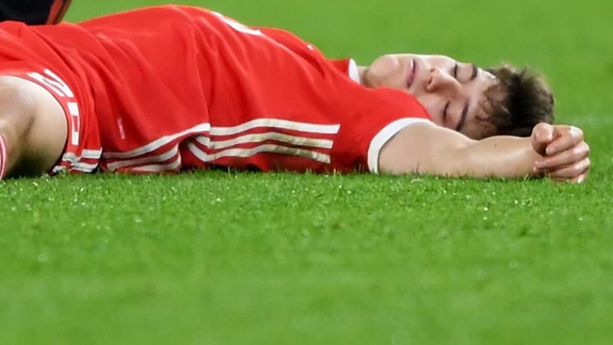 """""""Leżał na murawie, bo trochę udawał"""". Specjaliści zszokowani słowami Giggsa"""