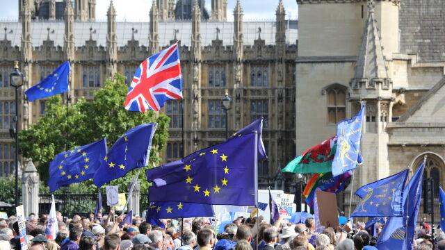 Rozmowy o brexicie cały czas trwają. Relacja Macieja Sokołowskiego
