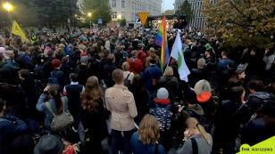 """""""Jesień Średniowiecza"""".  Protest przed Sejmem"""