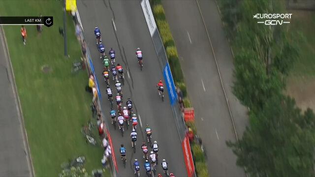 Fantastyczne rozprowadzenie Cavendisha w wykonaniu kolarzy Deceuninck – Quick Step na 10. etapie
