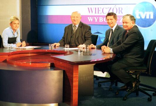 Wieczór Wyborczy w 2001 roku. Na zdjęciu Monika Olejnik, Józef Oleksy, Marek Belka, Lech Kaczyński